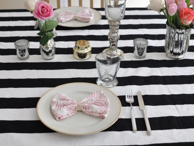 Bow napkins - chic girly bridesmaid brunch inspiration