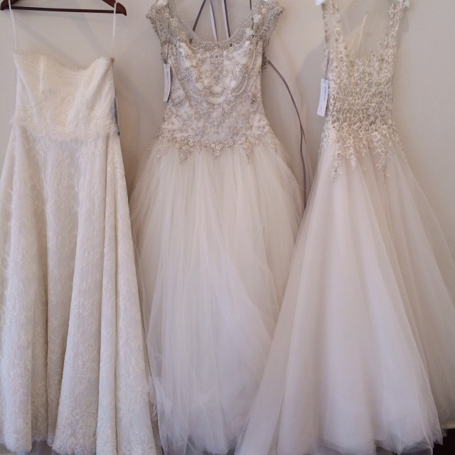 Luxe Shopping Experiences Toronto Review - white bridal reem acra monique lhullier bliss