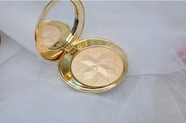 Dior Holiday gold powder Diorific Golden Shock review swatch